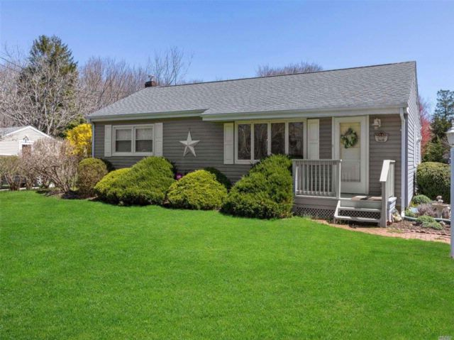 3 BR,  1.00 BTH  Ranch style home in Southold